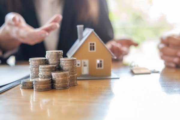 戸建て売却は買取と仲介のどちらが良い?買取の特徴を解説
